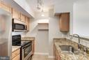 Granite countertops and stainless steel appliances - 1024 UTAH ST #820, ARLINGTON