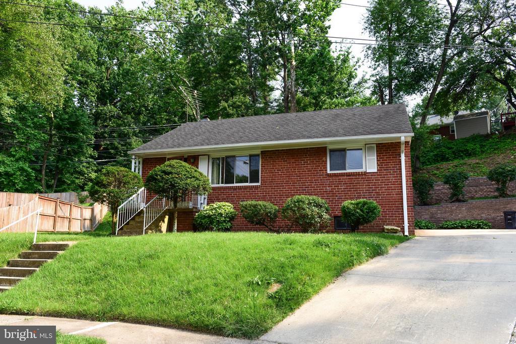 Arlington Homes for Sale -  Cul De Sac,  1420  BUCHANAN STREET S