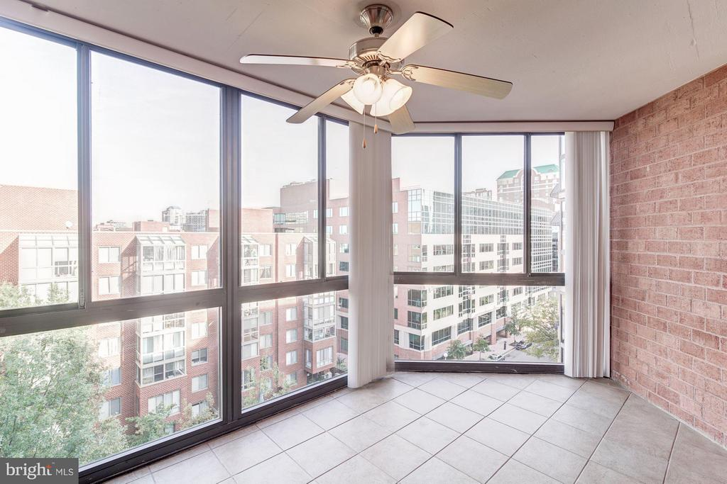 Excellent natural light! - 1024 UTAH ST #820, ARLINGTON