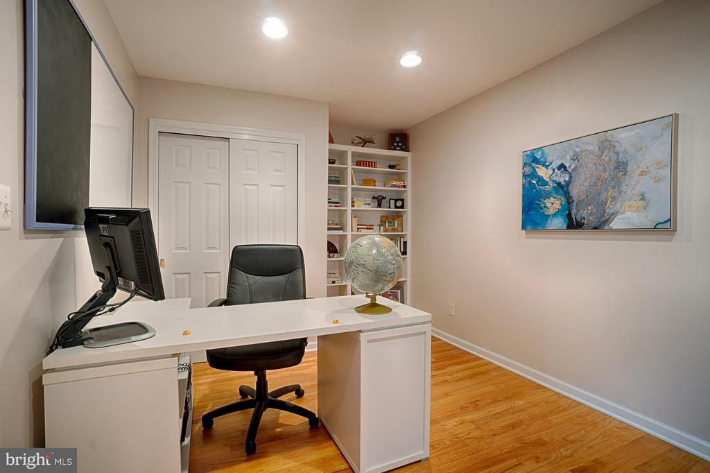 Main Lvl. Office/Bedroom - 6018 WATERBURY CT, SPRINGFIELD