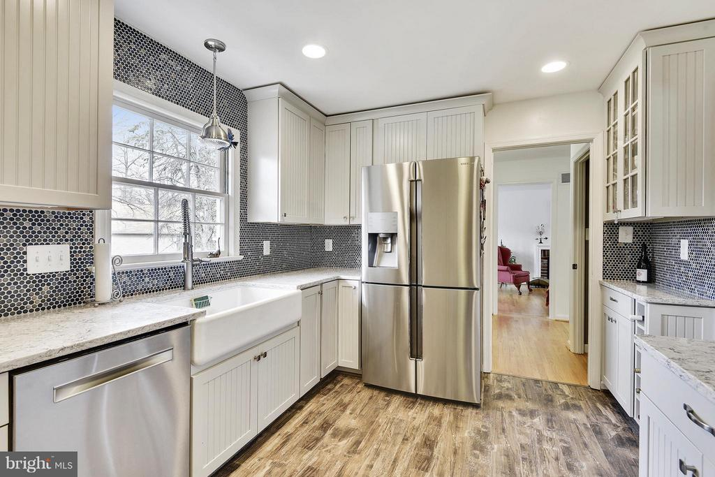 Refrigerator, ice maker, water, and it can convert - 2610 MARCEY RD, ARLINGTON