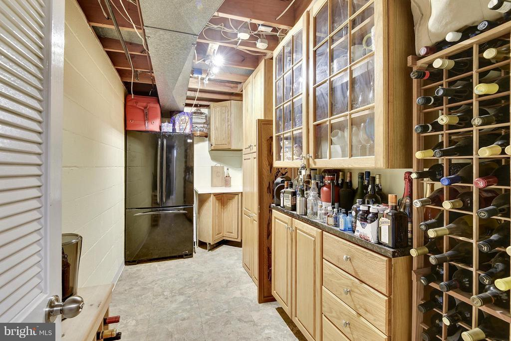 Refrigerator, cabinets and extra wine storage - 2610 MARCEY RD, ARLINGTON