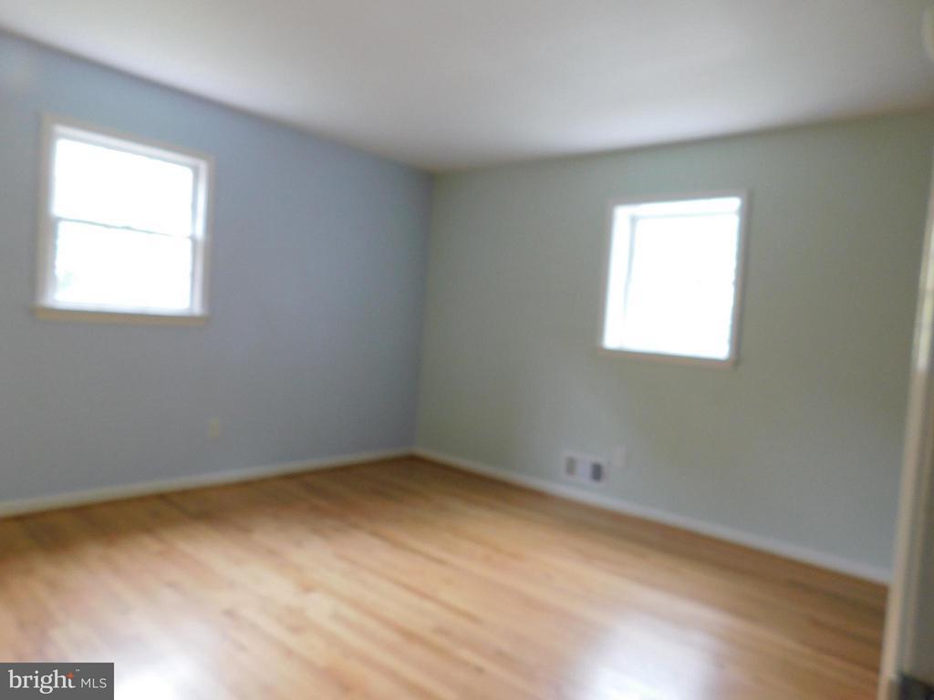 Bed 3 -  walk in closet - 2610 MARCEY RD, ARLINGTON