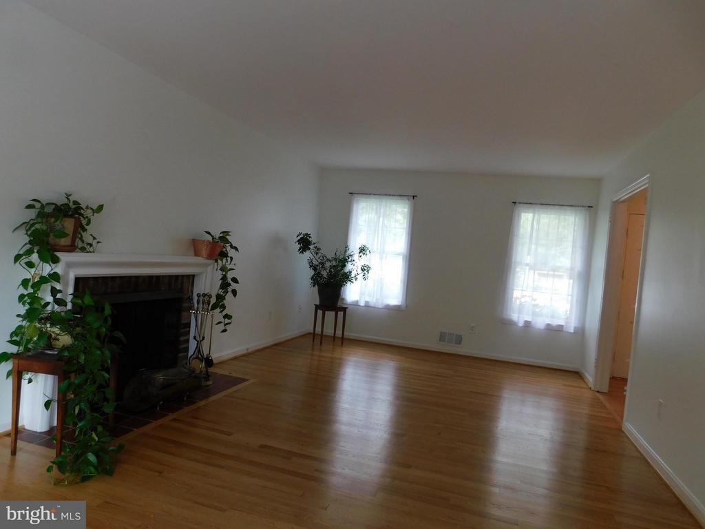 Living Room - 2610 MARCEY RD, ARLINGTON