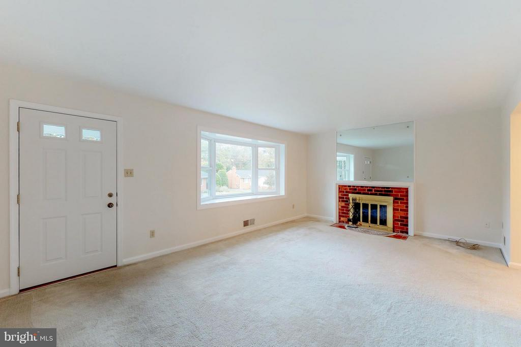 Large Living Room with Wood Burning Fireplace - 3033 CRANE DR, FALLS CHURCH