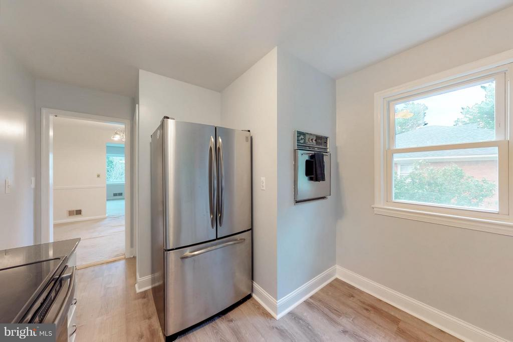 Kitchen with Vintage wall oven that works! - 3033 CRANE DR, FALLS CHURCH