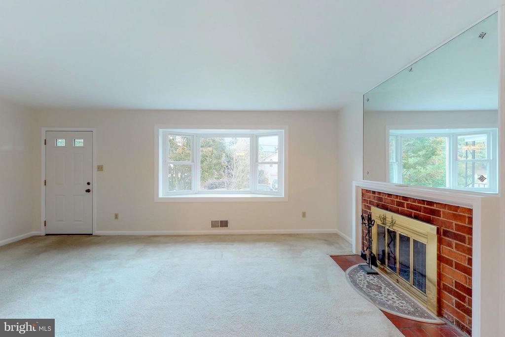 Living Room with Big Light-Filled Window - 3033 CRANE DR, FALLS CHURCH