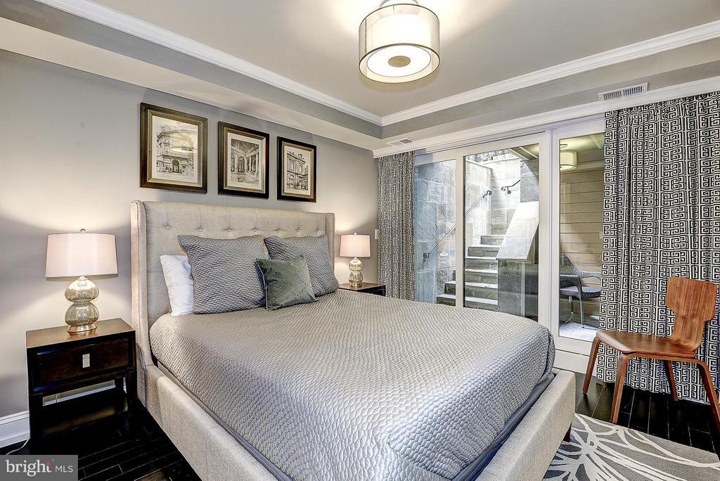 Unit 4 Bedroom - 418 SEWARD SQ SE, WASHINGTON