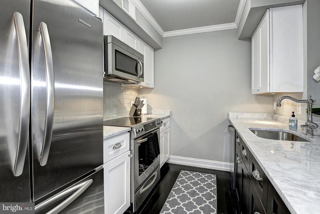 Unit 4 Kitchen - 418 SEWARD SQ SE, WASHINGTON