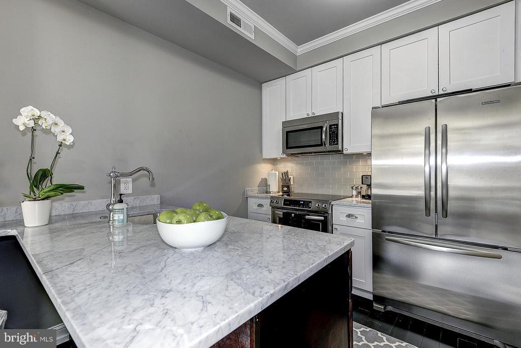 Unit 2 Kitchen - 418 SEWARD SQ SE, WASHINGTON
