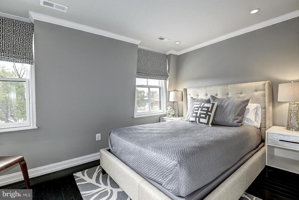 Unit 3 Bedroom - 418 SEWARD SQ SE, WASHINGTON