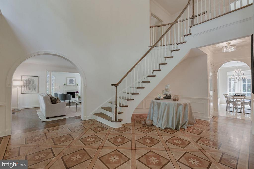Grand Entry Foyer - 1125 BROOK VALLEY LN, MCLEAN