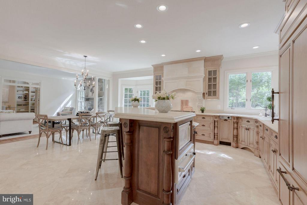 Gourmet Kitchen with Upgraded Appliances - 1125 BROOK VALLEY LN, MCLEAN