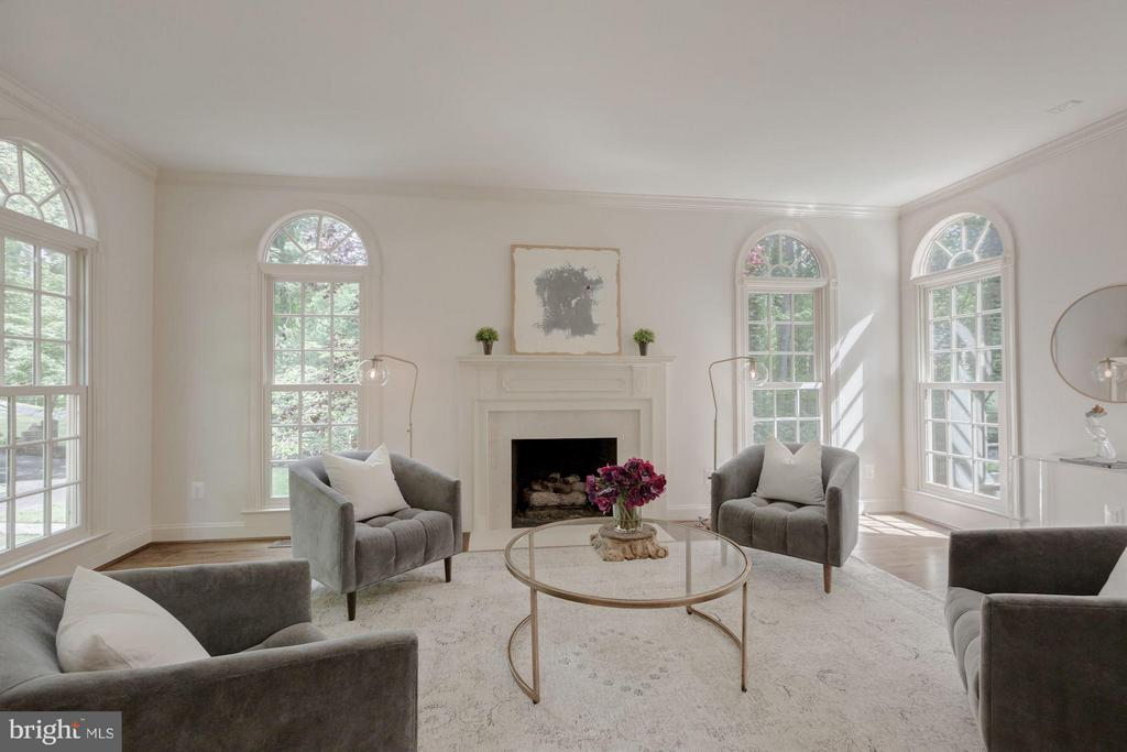 Sunroom with Gas Fireplace - 1125 BROOK VALLEY LN, MCLEAN