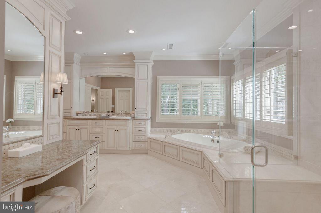 New Master Bath - 1125 BROOK VALLEY LN, MCLEAN