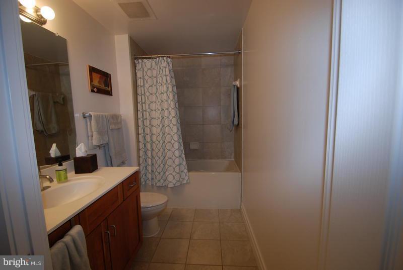 Bedroom (Master) - 1201 GARFIELD ST #107, ARLINGTON