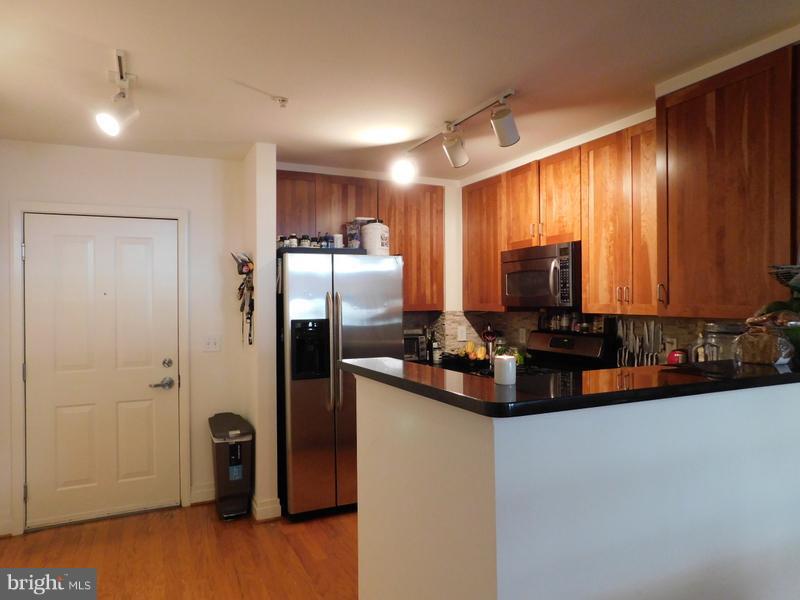 Kitchen - 1201 GARFIELD ST #107, ARLINGTON