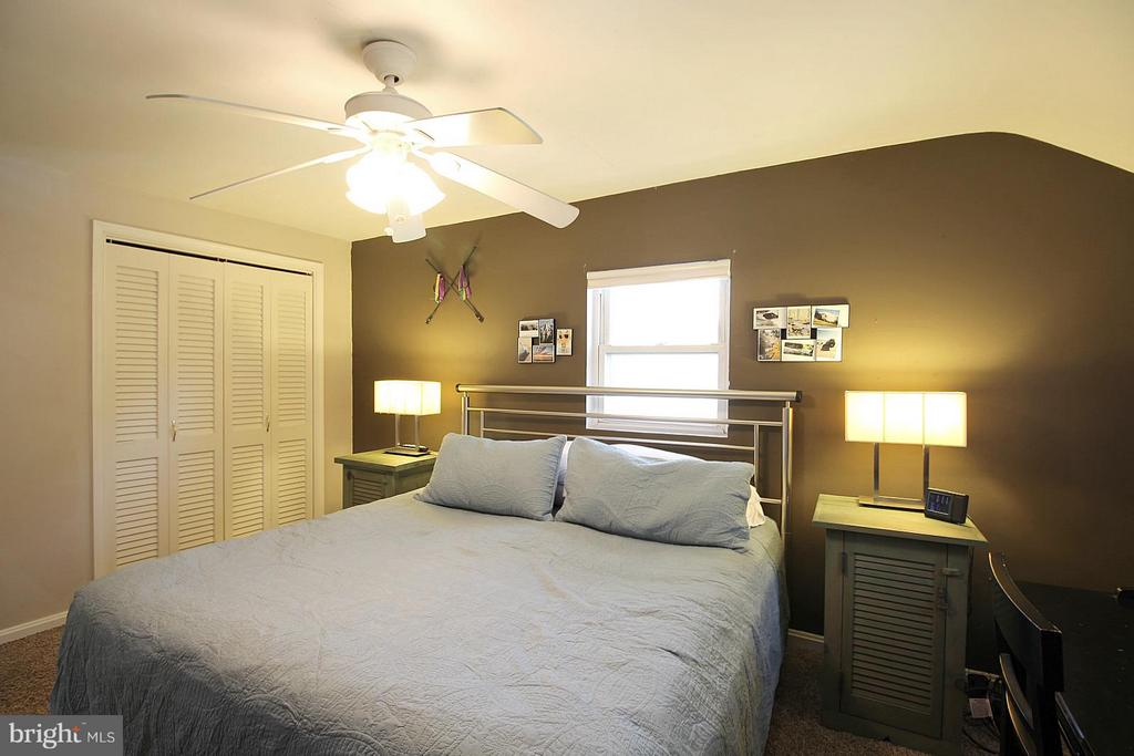 Romantic owner's bedroom! - 200 N CLEVELAND ST, ARLINGTON