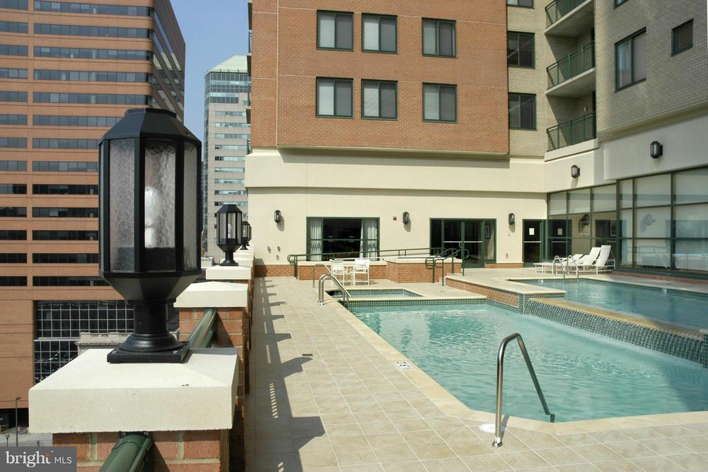 Pool for the Summer on the 10th Floor Deck - 414 WATER ST #1812, BALTIMORE
