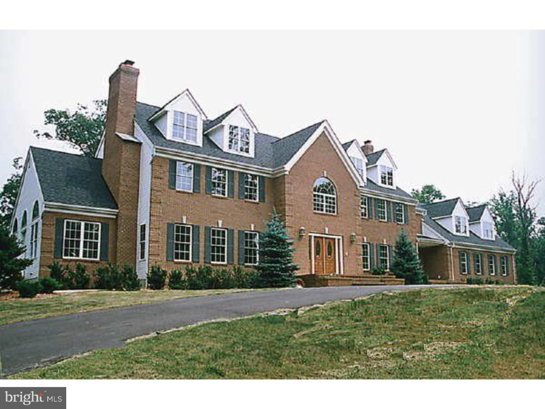 Maison unifamiliale pour l Vente à 370 DUTCHTOWN-ZION Road Hillsborough, New Jersey 08844 États-UnisDans/Autour: Hillsborough