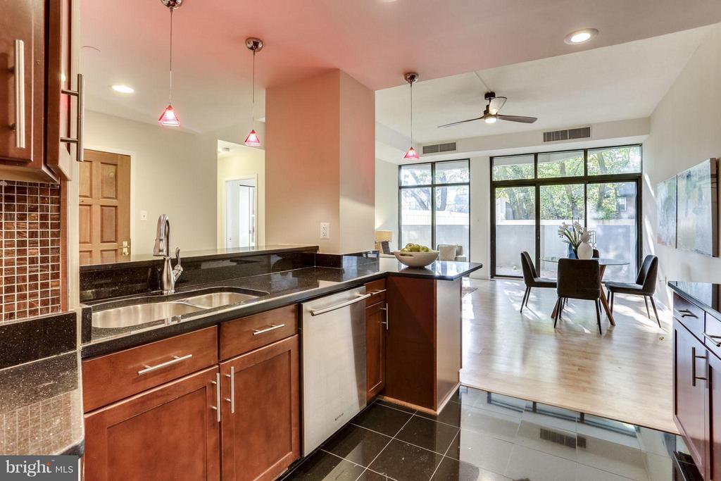 Kitchen - 1530 KEY BLVD #110, ARLINGTON