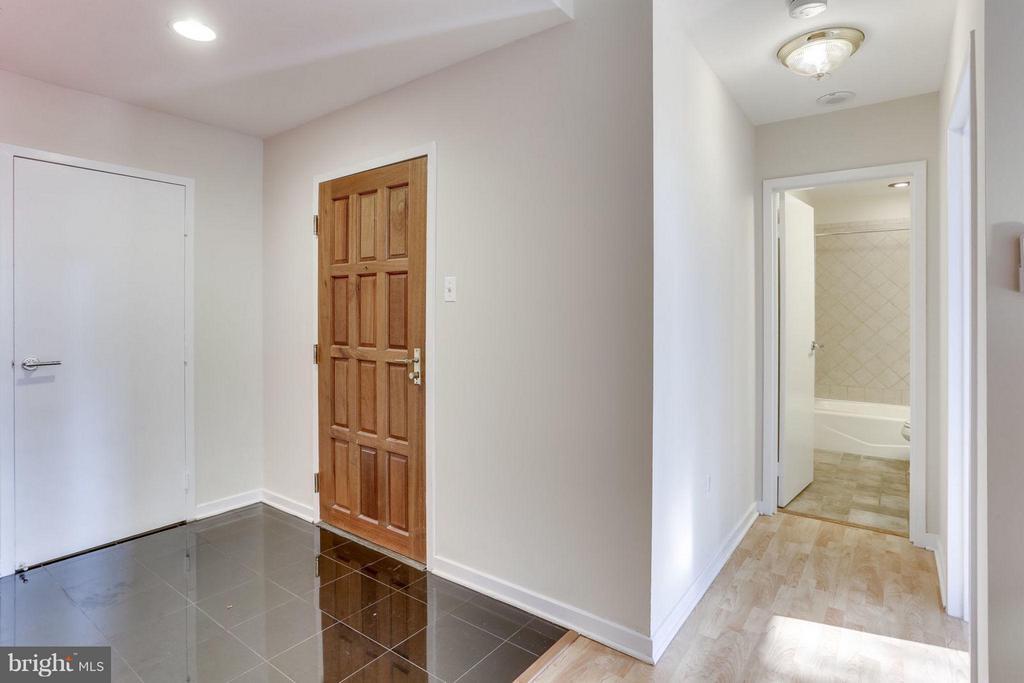 Interior (General) - 1530 KEY BLVD #110, ARLINGTON