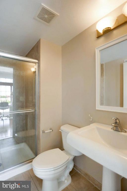 Third Bathroom - 828 SLATERS LN #406, ALEXANDRIA
