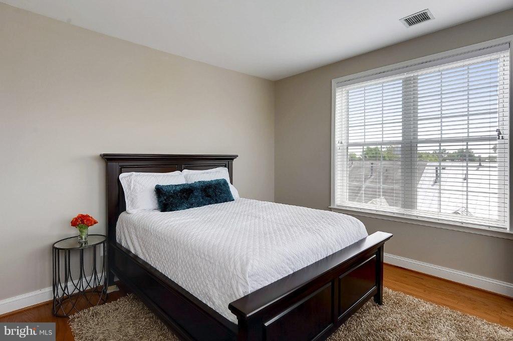Second Bedroom - 828 SLATERS LN #406, ALEXANDRIA