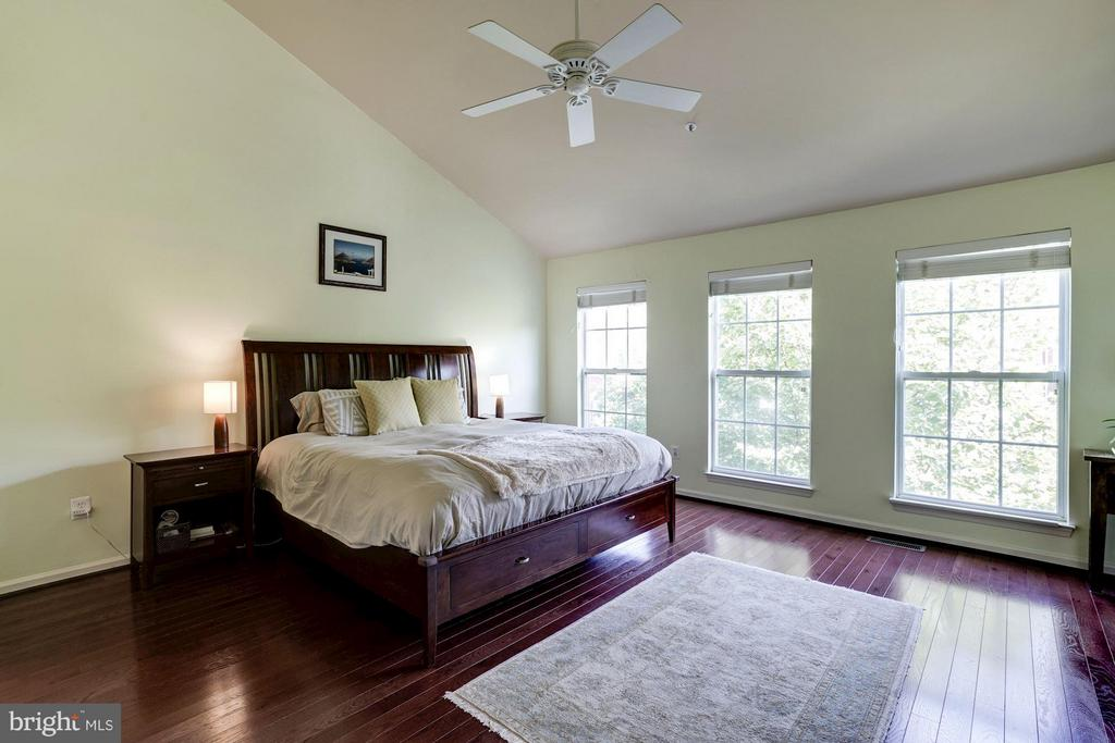 Bedroom (Master) - 1932 CRESCENT PARK DR #28B, RESTON