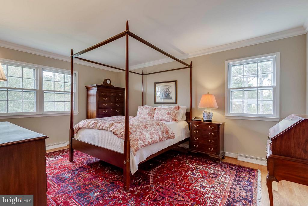 Inviting and light and bright...fabulous! - 1708 JUMPER CT, VIENNA