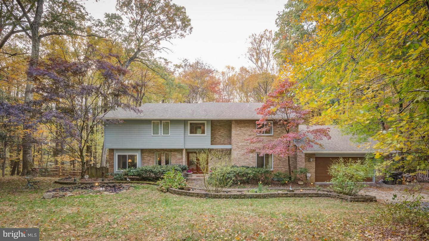 Single Family for Sale at 1094 Pensive Ln Great Falls, Virginia 22066 United States