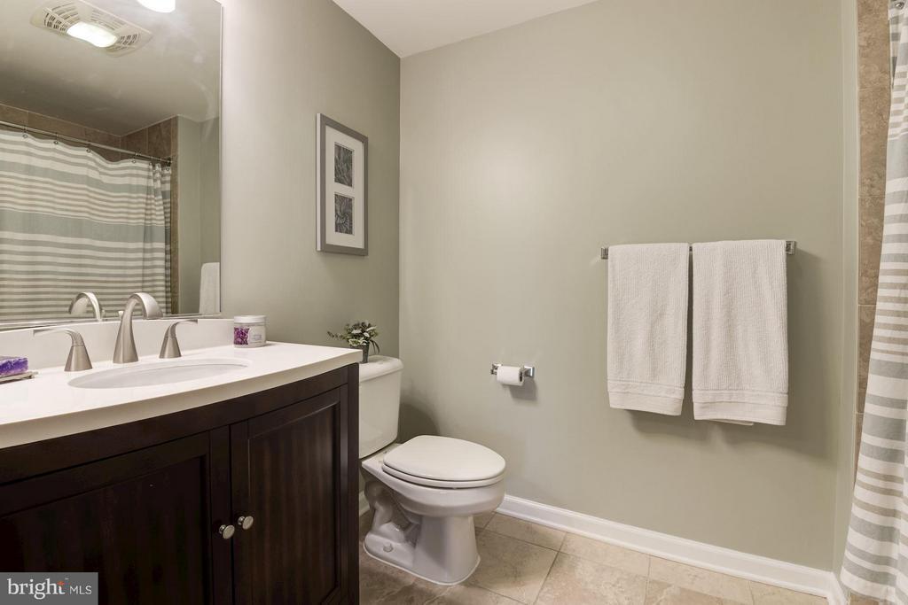 Bath - 440 L ST NW #405, WASHINGTON