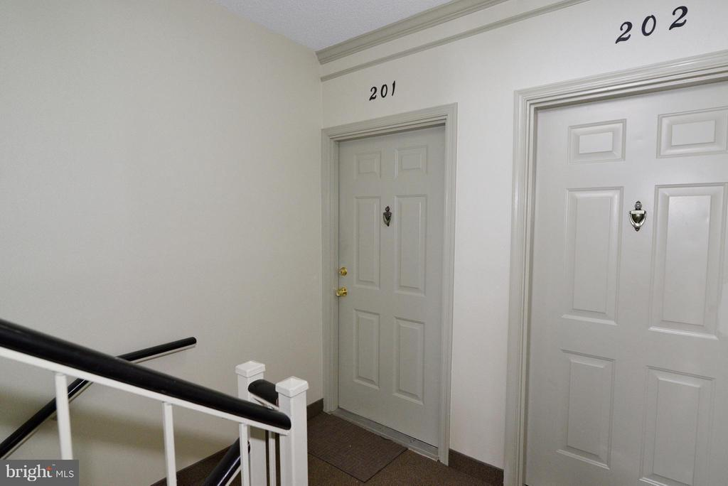 Entrance - 1119 HUNTMASTER TER NE #201, LEESBURG
