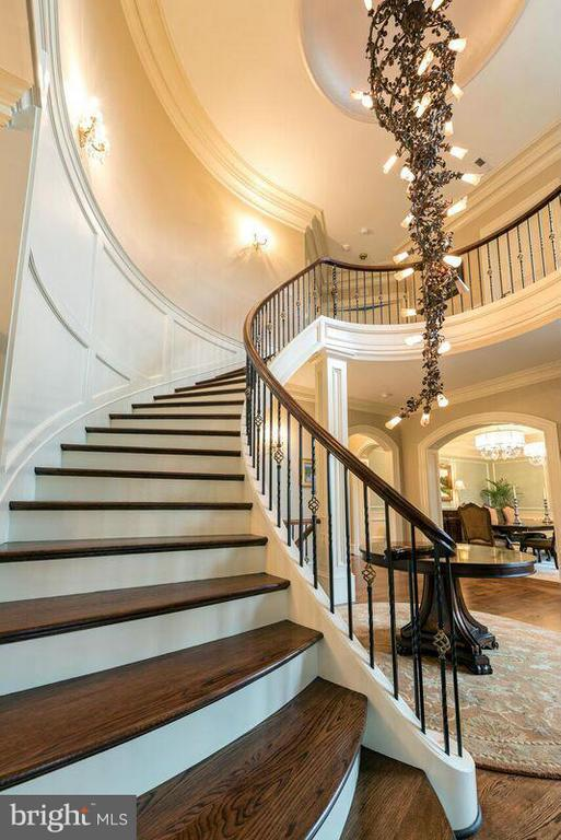 Staircase - 22360 WILSON MEADOWS LN, ALDIE