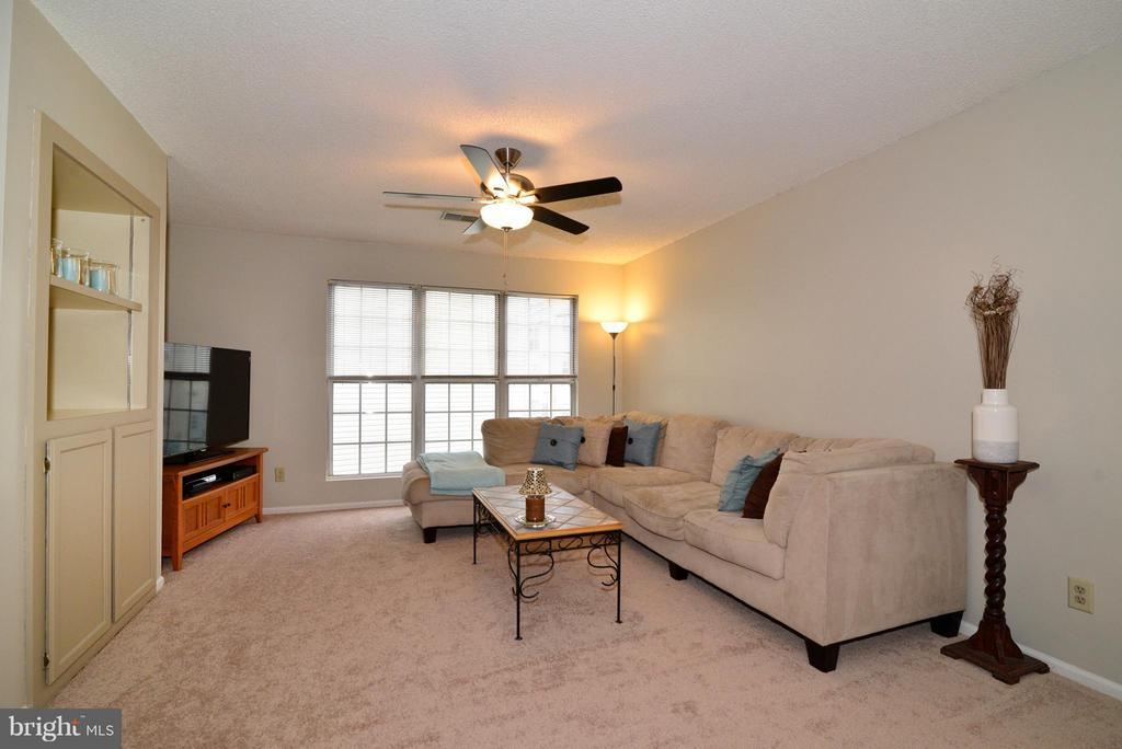 Large Family Room - 1119 HUNTMASTER TER NE #201, LEESBURG
