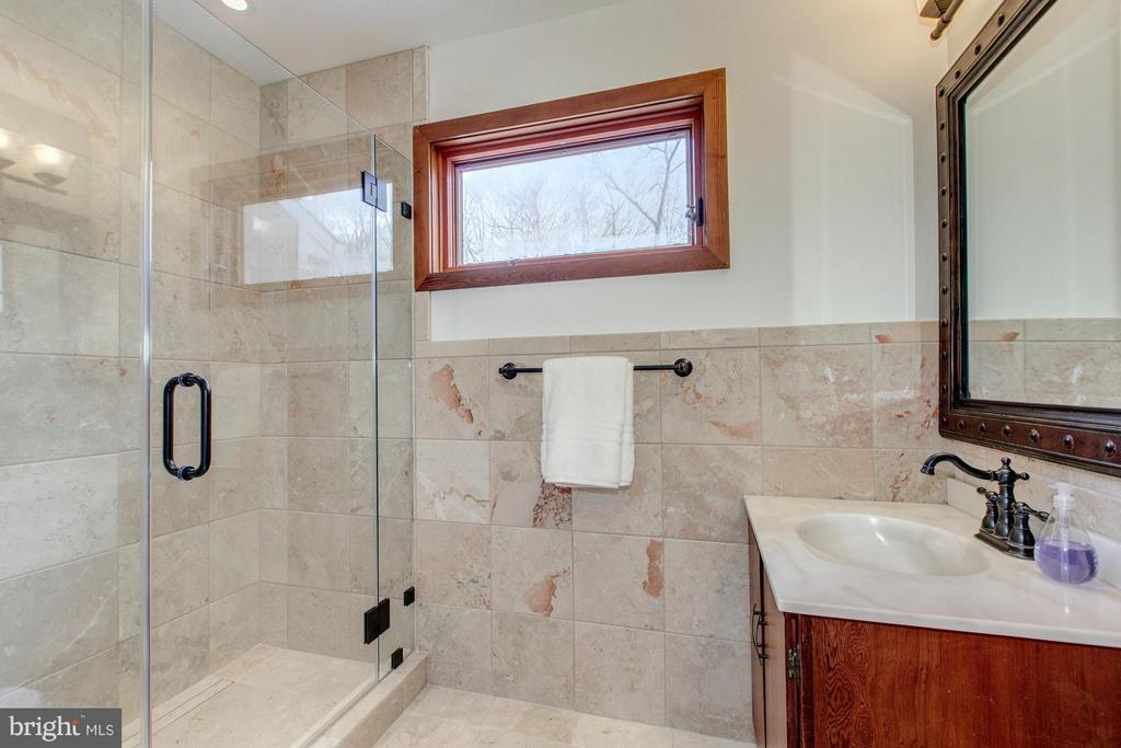 Beautifully updated bath - 10626 BEACH MILL RD, GREAT FALLS