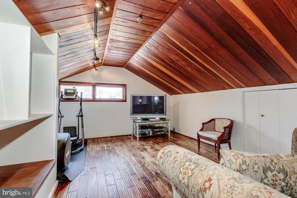 Exercise Room/Office/Playroom - 10626 BEACH MILL RD, GREAT FALLS