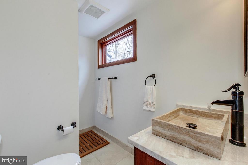 Full Bath on Main Level - 10626 BEACH MILL RD, GREAT FALLS