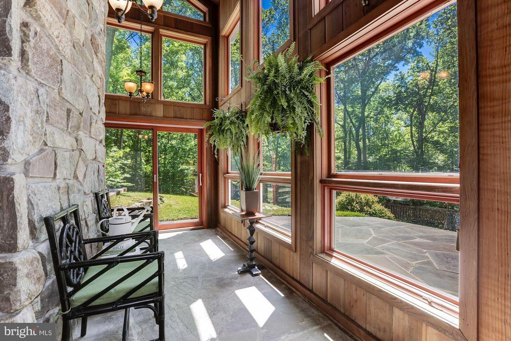 Enjoy the beautiful 2 acre setting - 10626 BEACH MILL RD, GREAT FALLS