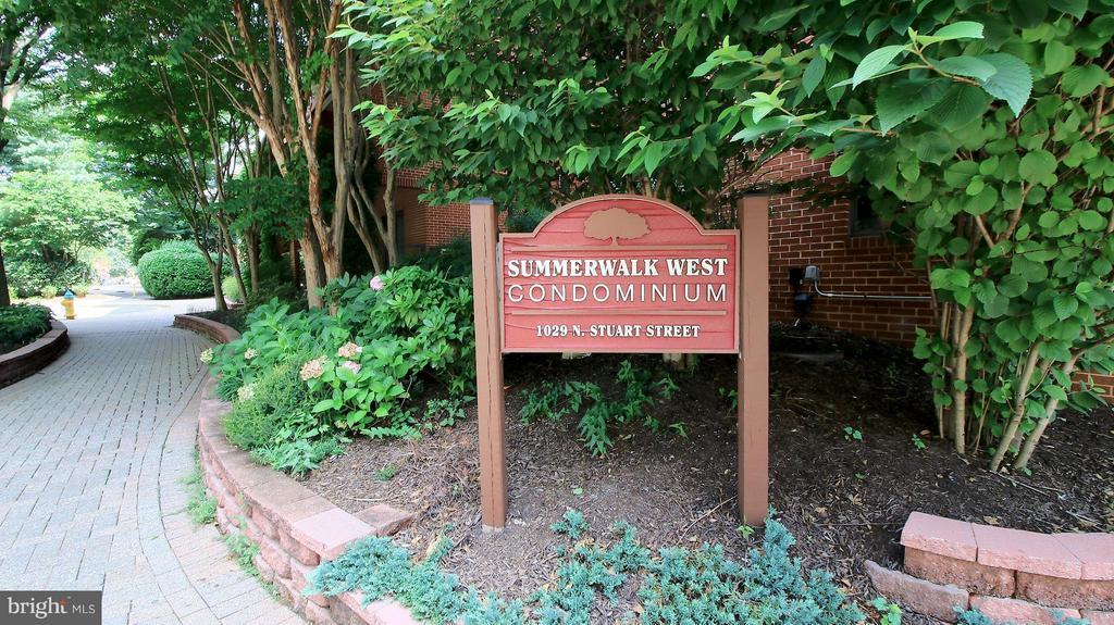 Summerwalk  West  Condominum - 1029N STUART ST N #712, ARLINGTON