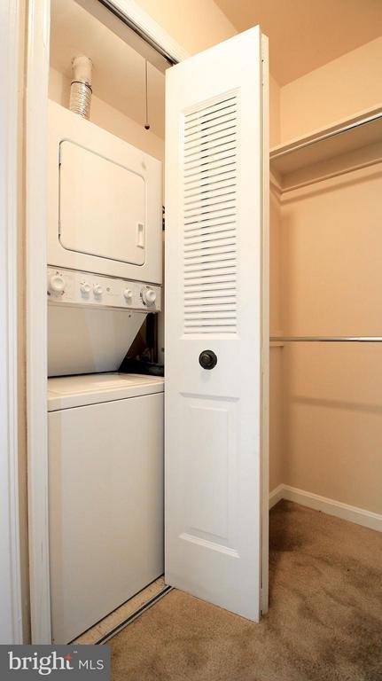 Laundry - 1029N STUART ST N #712, ARLINGTON
