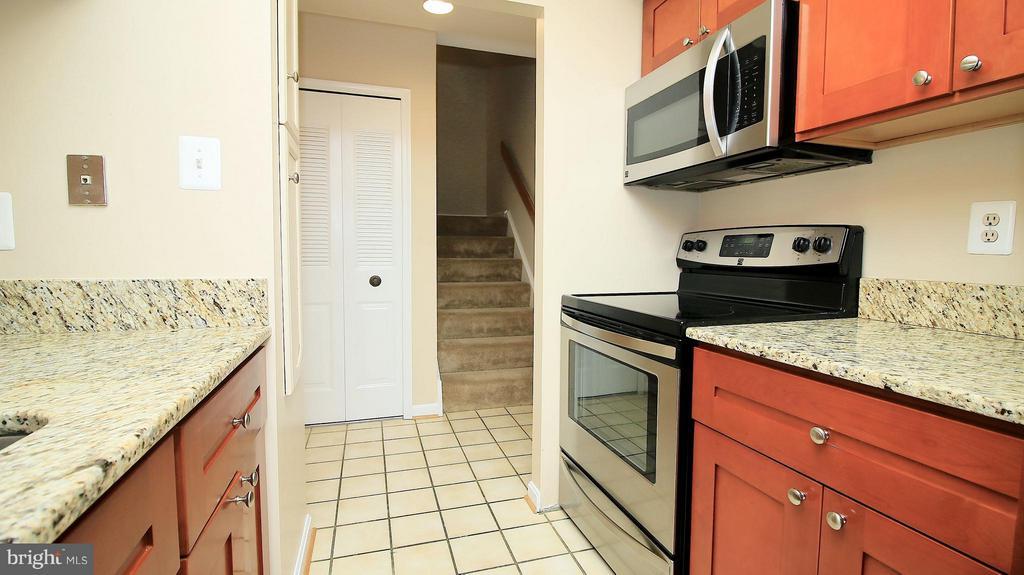 Kitchen - 1029N STUART ST N #712, ARLINGTON