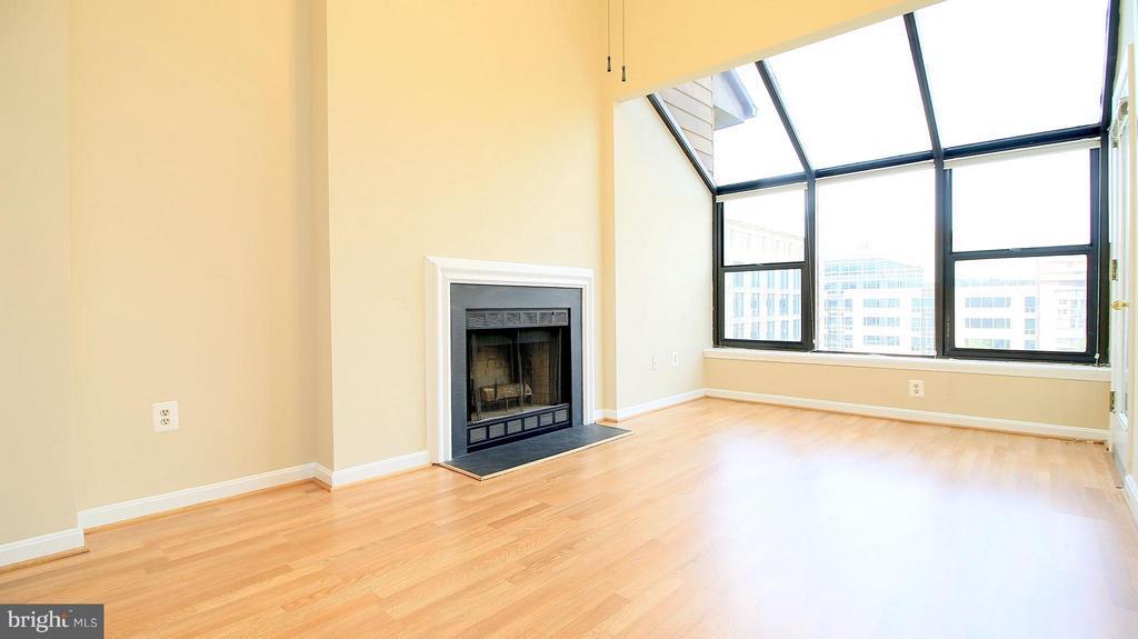 Living Room  New Floors - 1029N STUART ST N #712, ARLINGTON