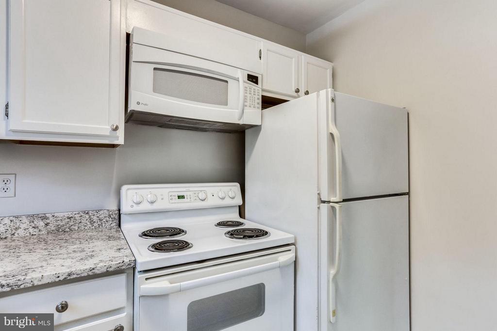 Kitchen - 1914 RHODES ST #54, ARLINGTON