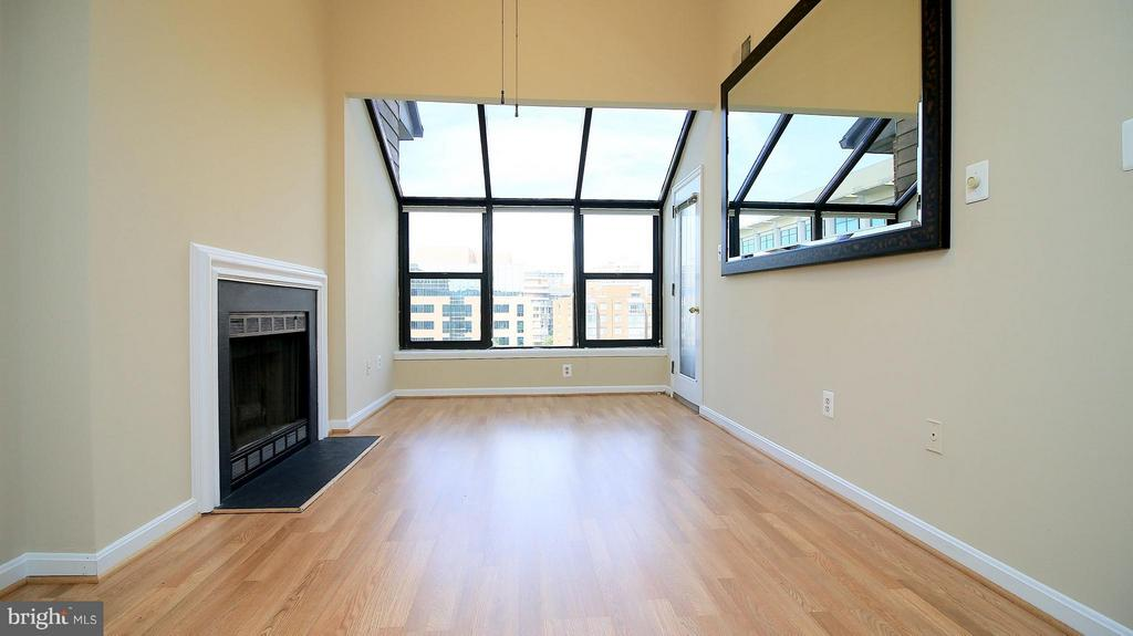 Living Room with Wood Burning Fire Place - 1029N STUART ST N #712, ARLINGTON