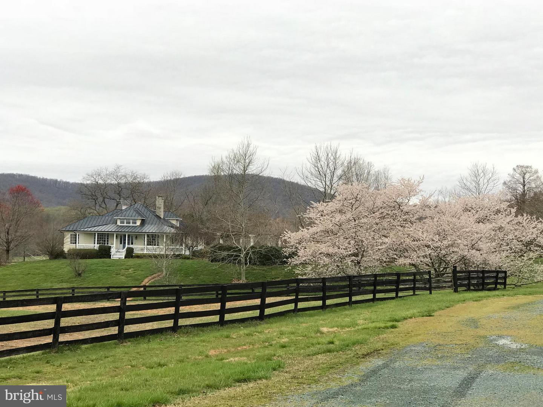 Single Family for Sale at 1570 St John Rd Gordonsville, Virginia 22942 United States