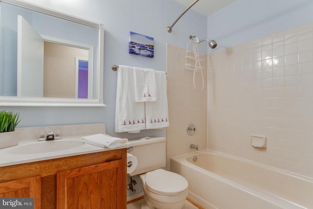 Full Bath - 3810 MARQUIS PL, WOODBRIDGE