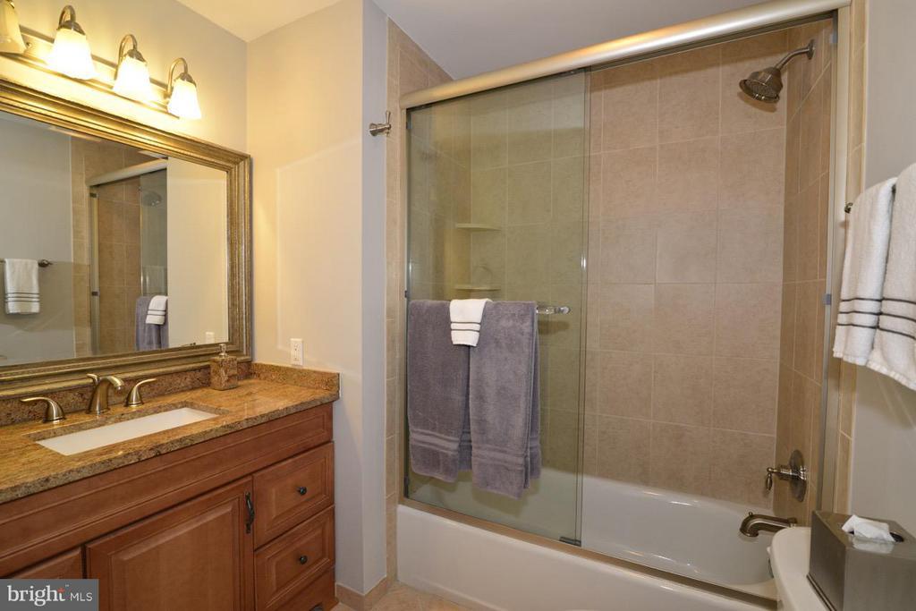 Bath - 2259 CEDAR COVE CT, RESTON