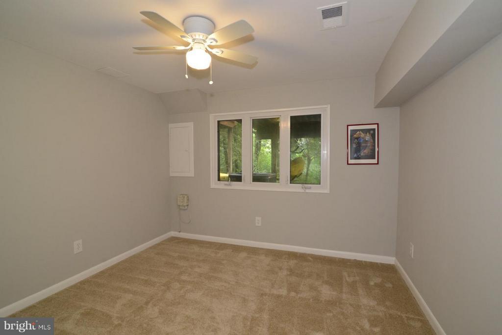 Lower Level Bedroom - 2259 CEDAR COVE CT, RESTON