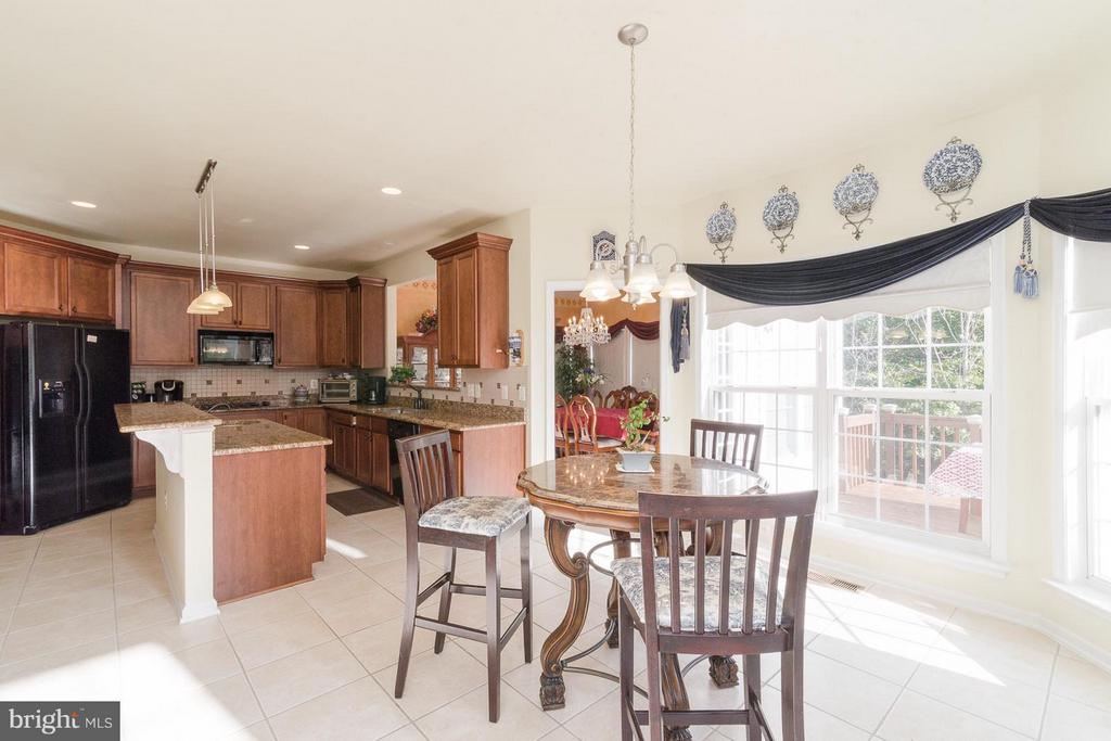 Sunny Breakfast room features great views - 21 WENTWORTH DR, FREDERICKSBURG